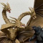 『S.H.MonsterArts キングギドラ 2019』破格のサイズに圧倒。レビュー、感想、フィギュア